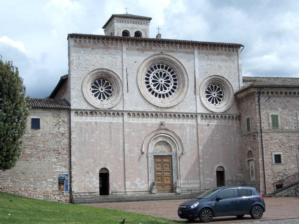 italy-assisi-church-of-st-pietro