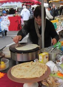 cahors-market-marche- crepe-lady-1