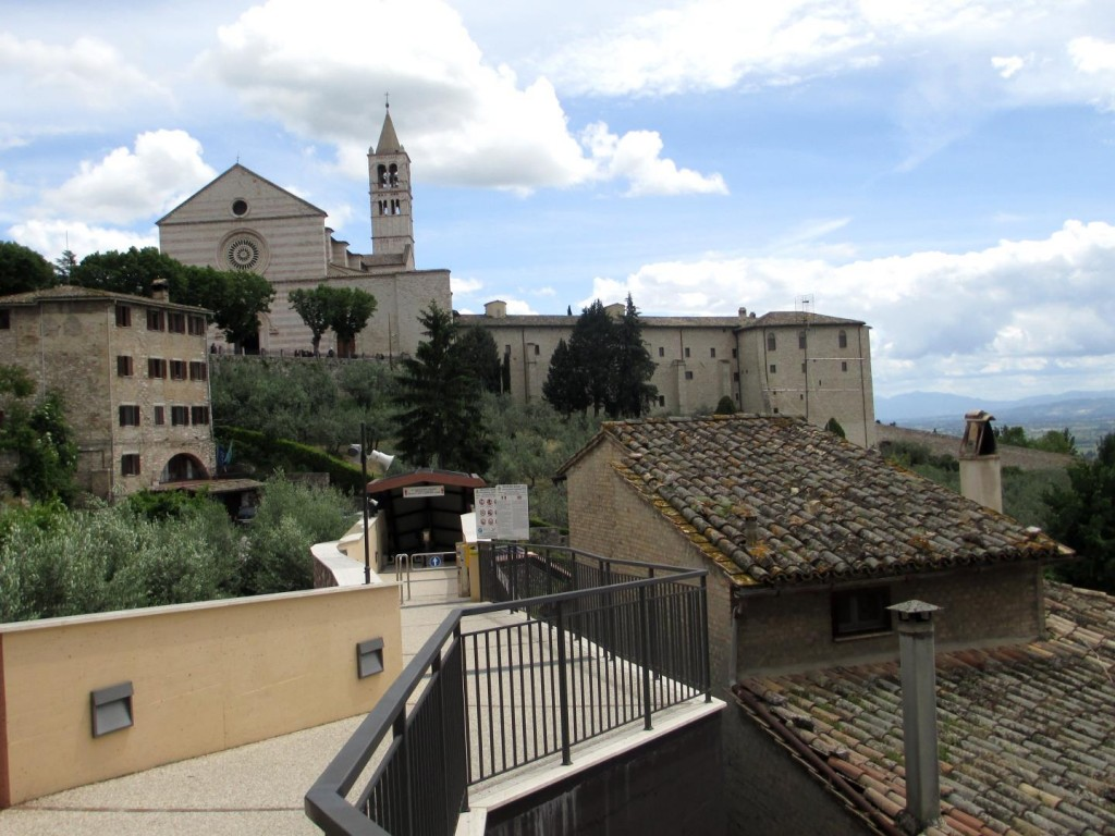 italy-assisi-basilica-of-st-clare-from-parking